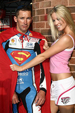Superman Troy Bayliss, Supergirl Katie Puch