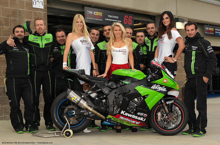Tom Sykes Kawasaki World Superbike Team with FastDates.com Calendar Kittens
