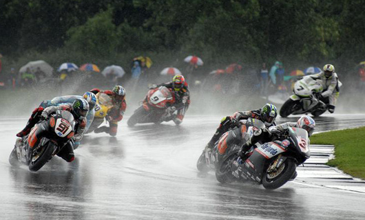Donnington photo World Superbike rain