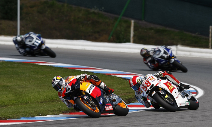 Simoncelli, Dovizioso, Drno action photo