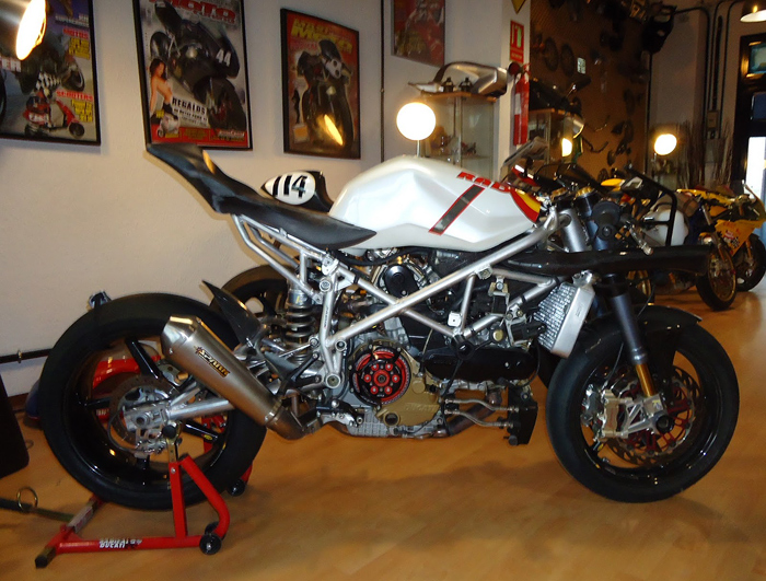 Radical Ducati Streetfighter Superbike Spain