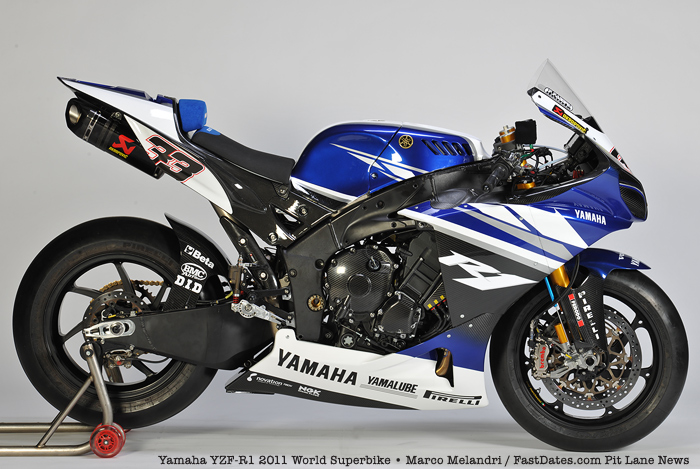 Yamaha World Superbike YZF R-1 2011 photo