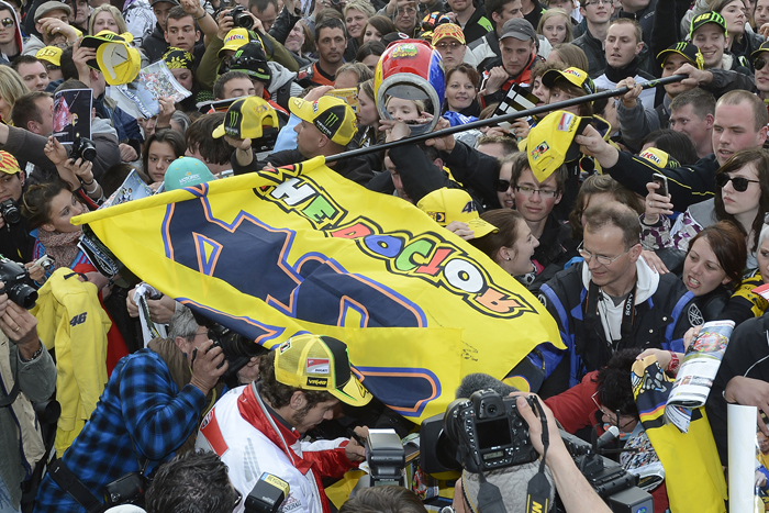 Valentino Rossi race fans