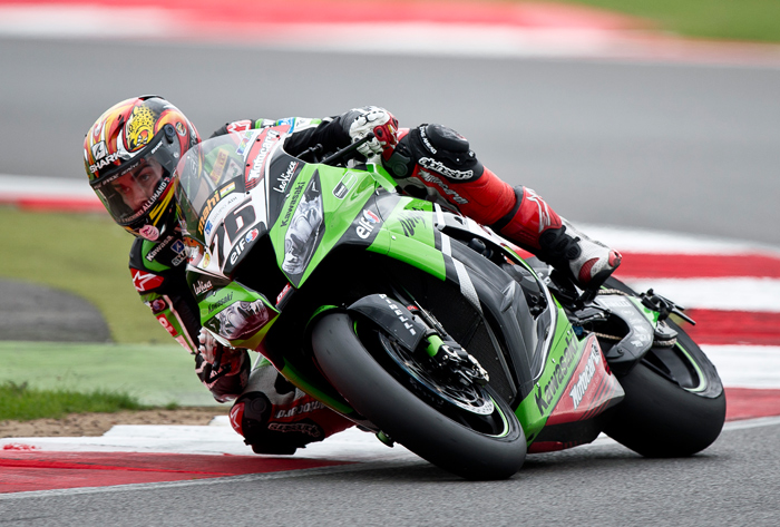 Loris Baz action race photo