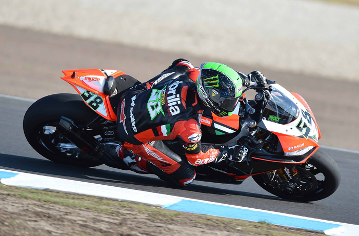 Eugene Laverty Aprilia superbike photo