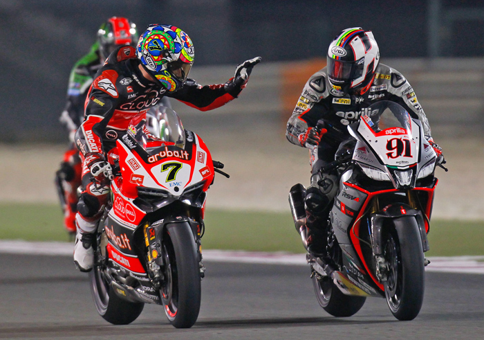 Chaz Davies, Leon Haslam, Qatar World Superbike 2015 photo