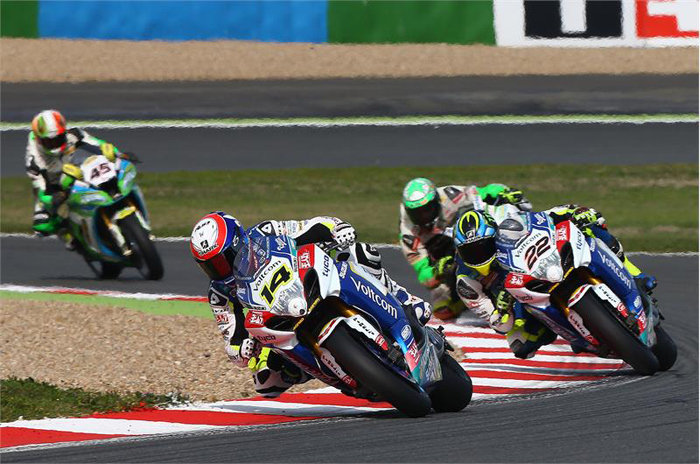 Alex Lowes (22) finished 8th in race one, as Randy dePuniet