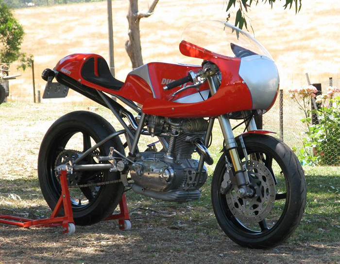Ducati Desmo single cylsiner 450cc  Cafe Racer