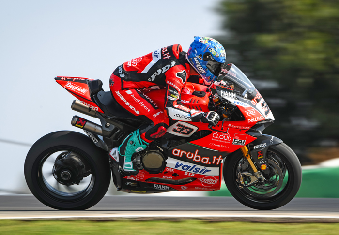 Marco melandri race Action