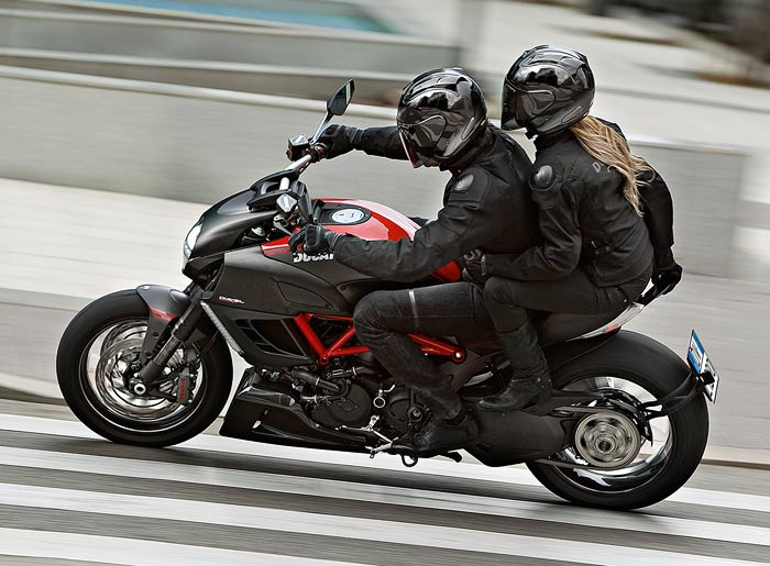 Ducati Diavel test